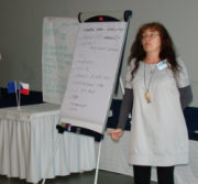 prezentace výsledků práce ve skupinách (foto: Vlastimil Kostkan)