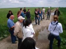 účastníci workshopu v terénu (foto: Vlastimil Kostkan)